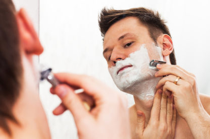 8 REASONS TO ADD A SAFETY RAZOR TO YOUR SHAVE SET